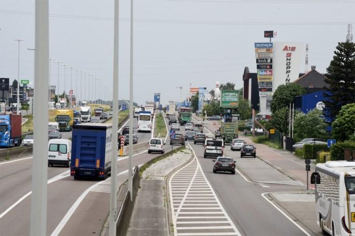 """Steeds meer woonprojecten langs A12: """"Wie langs de Boomsesteenweg wil wonen, is er best als de kippen bij"""""""