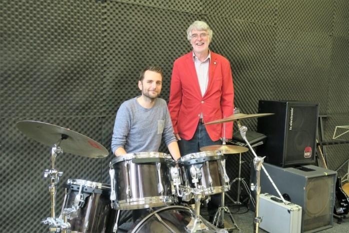 """Fixkes-drummer wordt directeur van 1200 leerlingen: """"Het zal even héél druk worden"""""""