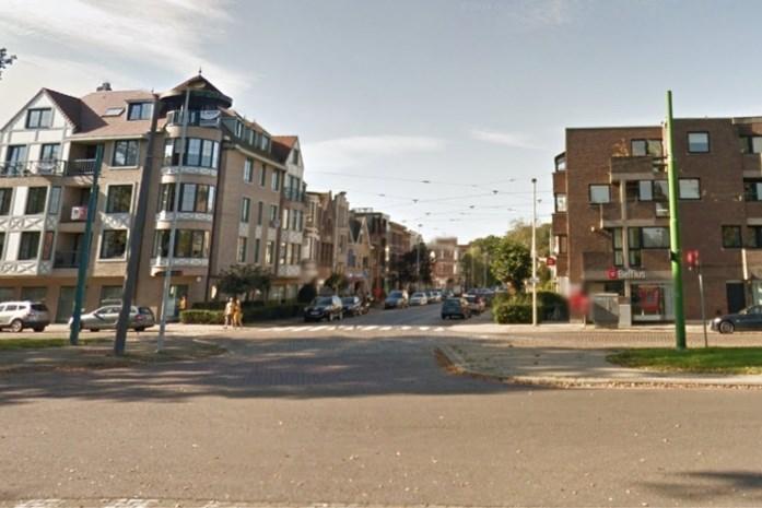Botsing met drie voertuigen: chauffeur (20) zwaargewond en twee auto's total loss