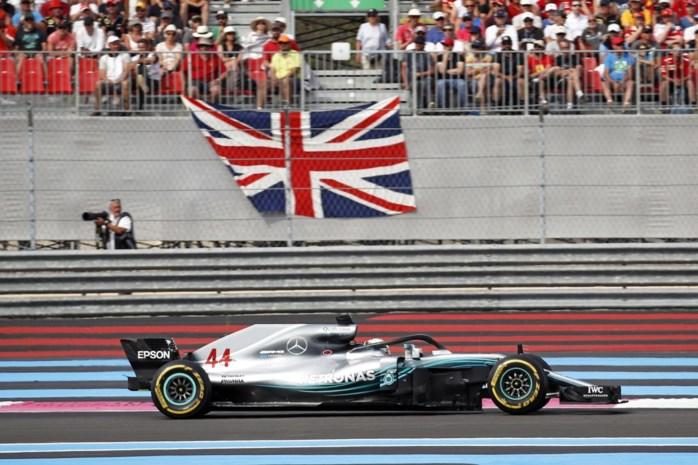 Lewis Hamilton pakt derde seizoenszege in Formule1, Vandoorne wordt twaalfde in GP van Frankrijk