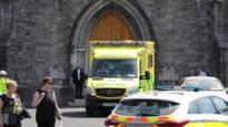 Begrafenis uitgesteld nadat priester onwel wordt en rouwenden aanrijdt