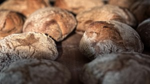 De Superette Bokrijk verkoopt op authentieke wijze gebakken zuurdesembrood