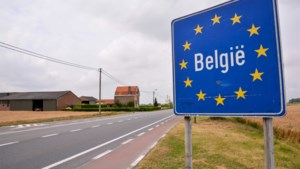 België trok vorig jaar 140.000 migranten aan, maar er gingen er ook veel weg