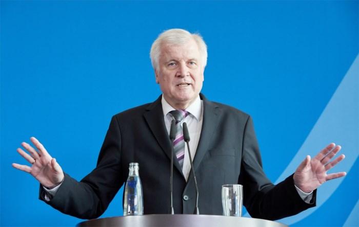 Migratiecrisis in Duitsland: Minister van Binnenlandse Zaken wil opstappen