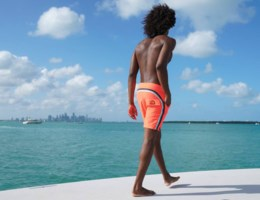 Trend: deze zwembroeken dragen alle mannen deze zomer