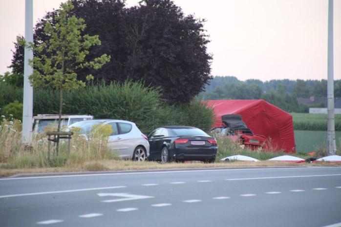 Man en kind (8) komen om het leven bij verkeersongeval, twee andere kinderen zwaargewond