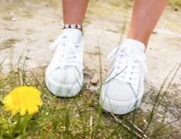 Met deze tips blijven je sneakers kraakwit