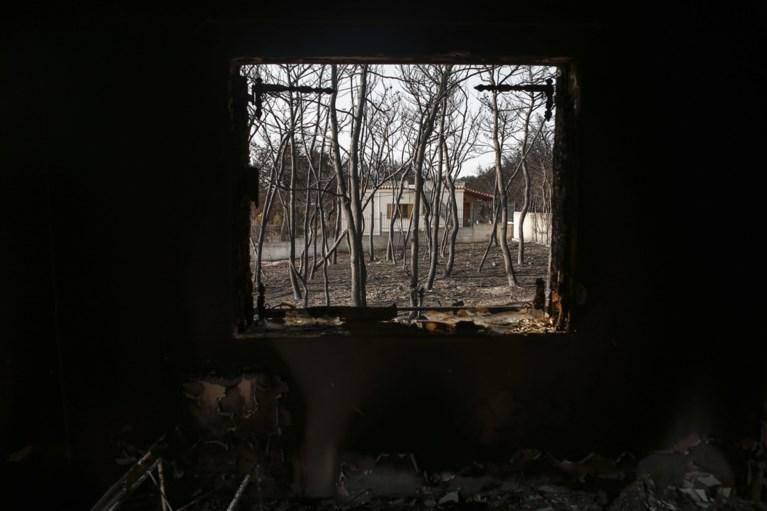 Dodentol van bosbranden Athene opgelopen tot 91, nog 25 vermisten