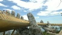 Spectaculaire brug wordt omhooggehouden door de 'handen van God'