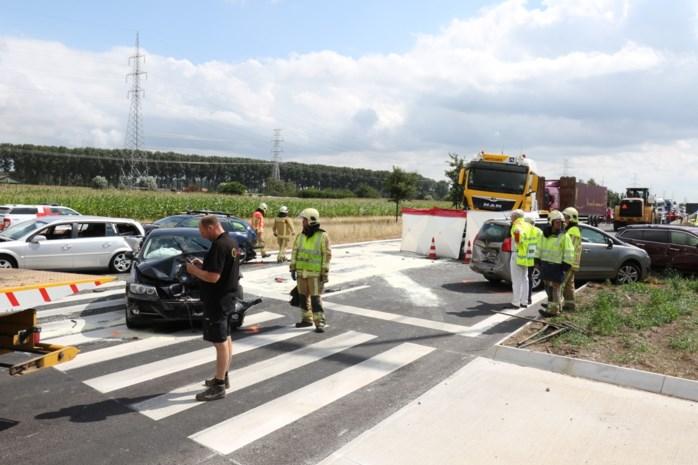 Dodelijk vermoeid de baan op: vrachtwagenchauffeurs steeds vaker betrokken bij fatale kop-staartbotsingen