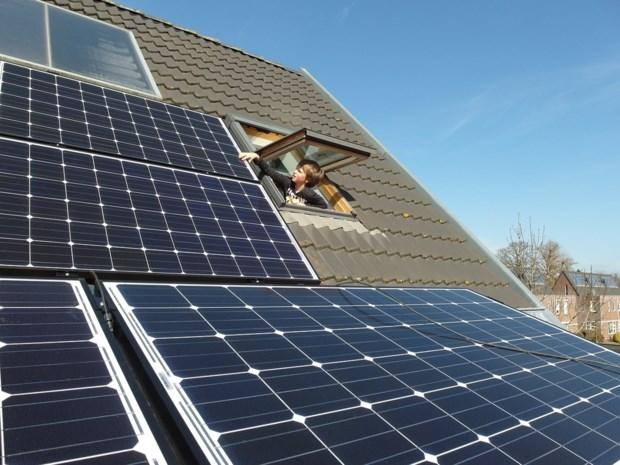 OPROEP. Hoeveel bespaart u met uw zonnepanelen?