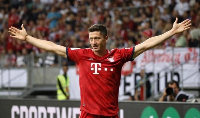 Bayern München vernedert bekerhouder in Supercup, Lewandowski scoort hattrick