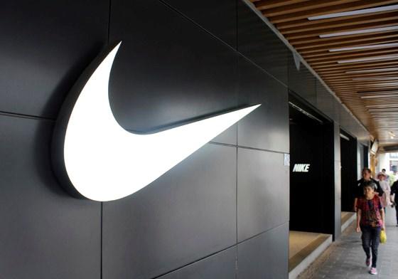 Voormalige medewerkers klagen Nike aan voor discriminatie
