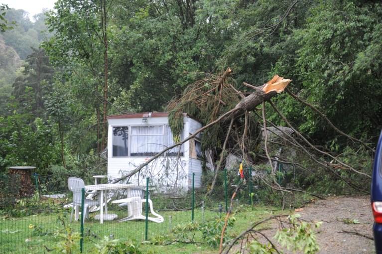 Onweer veroorzaakte vooral schade in Wallonië: minitornado en verschillende scoutskampen ontruimd