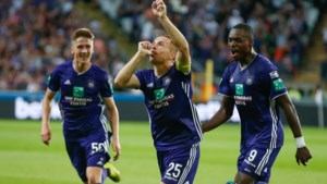 Anderlecht dolt met Moeskroen en zet Club Brugge onder druk
