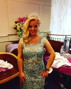 Kate is eerste tiener met Downsyndroom die internationale schoonheidswedstrijd wint