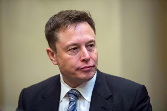 """'Overwerkte' Elon Musk reageert bitsig op open brief van bezorgde vriendin: """"Ik heb geen keuze"""""""