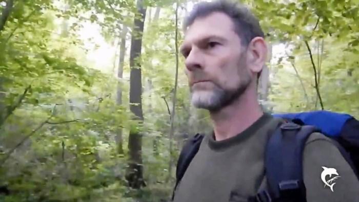 Jos Brech moest vertrekken bij Nederlandse scouts wegens zedenfeiten, maar sloot zich daarna aan bij Poolse scouts