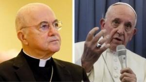 Paus weigert te reageren op beschuldigingen van ex-nuntius