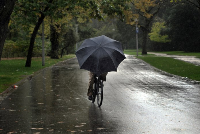 KMI waarschuwt voor regen en intense buien woensdag: 1722 opnieuw geactiveerd