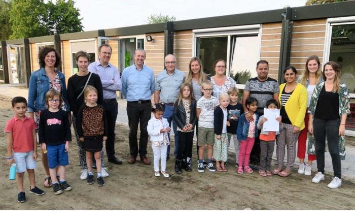 """Houtbouwspecialist Hahbo helpt lagere school De Notelaar uit de nood: """"Noem dit a.u.b. geen containerklas"""""""