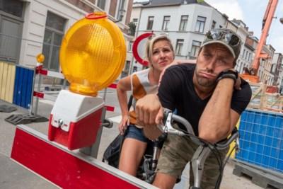 """Tine Embrechts en Guga Baul: """"Fietsen in de stad is vooral veel stress"""""""