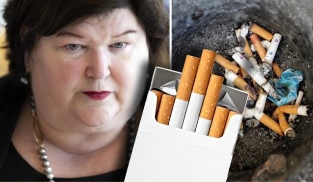 Regering heeft beslist: geen opvallende logo's of aantrekkelijke kleuren meer op pakjes sigaretten