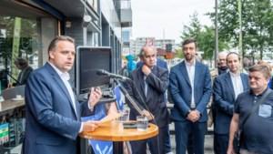 """De Backer aan De Wever: """"Kruip eens onder die Calimeroschelp uit, zet die ploat af en wees fier op Antwerpen"""""""