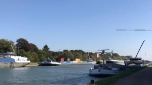 Loodsen staken: driekwart van trafiek Antwerpse haven geblokkeerd, ook grote hinder voor binnenvaart