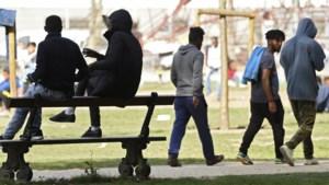 Bart De Wever wil smartphone van transmigranten afnemen
