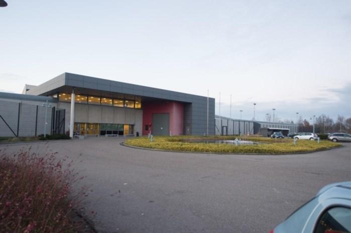 """""""Extreem agressieve"""" terrorist verwondt vijf cipiers in gevangenis Hasselt: """"Het was meteen prijs"""""""