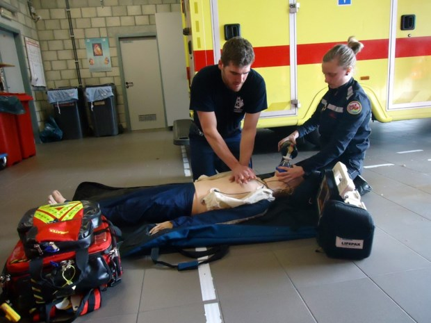 """Hulpverleners reanimeren nog te vaak: """"Kan onnodig lijden veroorzaken"""""""