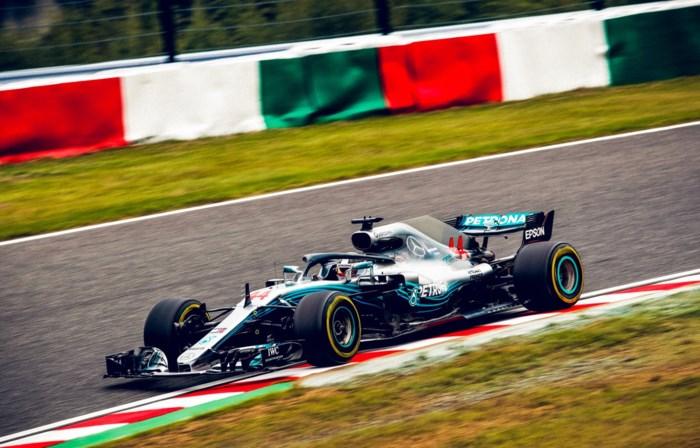 Hamilton blijft de snelste in Japan, stevige crash Nico Hulkenberg