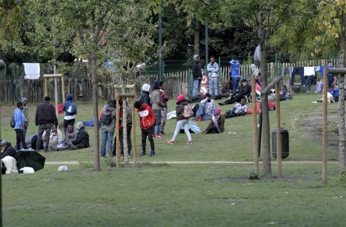 Prostitutiebendes viseren transmigranten in Maximiliaanpark