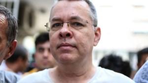 Turkije heft huisarrest en uitreisverbod van Amerikaanse dominee op