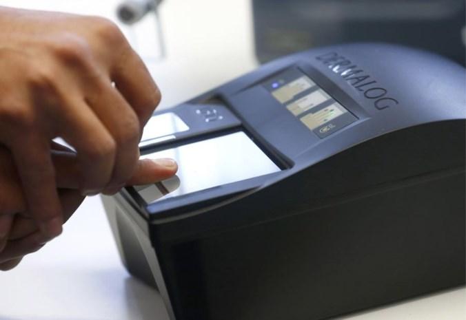 STANDPUNT. Controle van id-kaart met vingerafdrukken is juist een verbetering