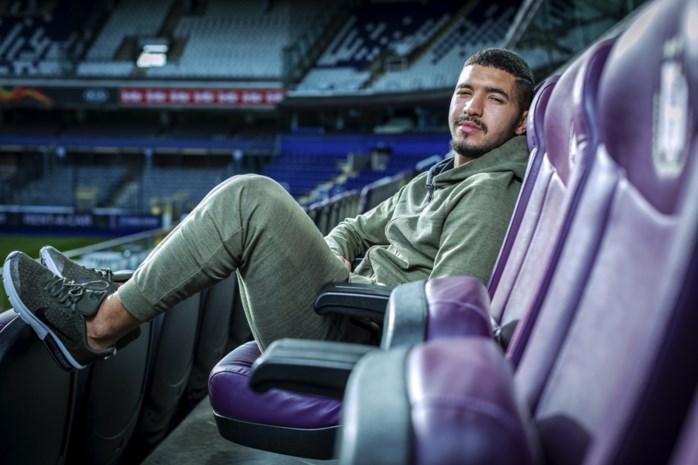 """Zakaria Bakkali, de enige die bij Anderlecht het publiek in vervoering brengt: """"Ik dribbel als ik dat nodig vind"""""""