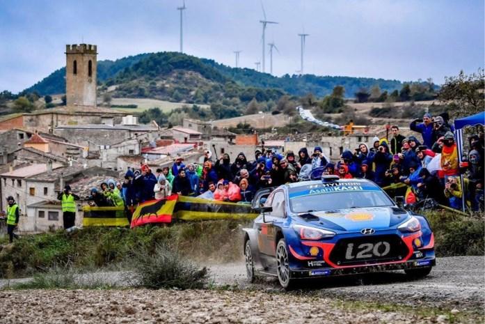 Neuville pitst nog wat van zijn achterstand af in Catalonië in strijd om eerste wereldtitel