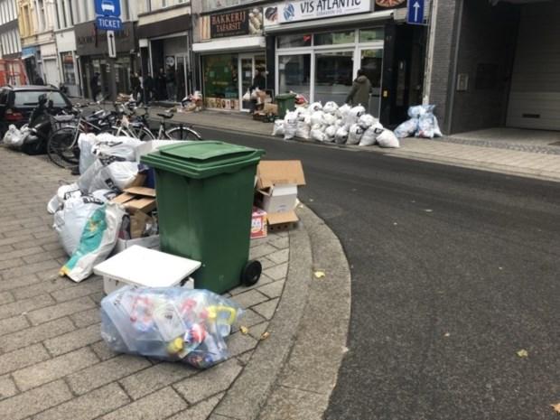 Handelstraat vol vuilniszakken op feestdag: 47 bewoners of winkeliers riskeren boete