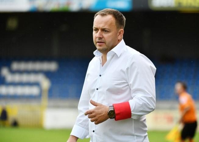 """Geel-trainer Janssens streng voor spelers na derde nederlaag op rij: """"Denken dat ze nog bij de beloften voetballen"""""""