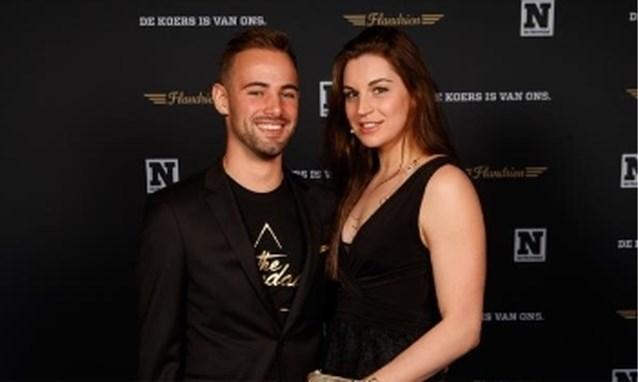 Victor Campenaerts pronkt met topzwemster als nieuwe vriendin