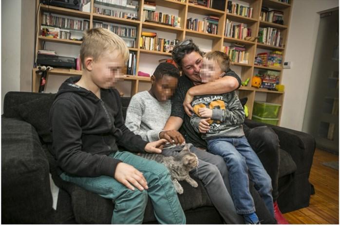 """Hilde en Koen hebben vier pleegkinderen in huis: """"We raden het iedereen aan"""""""