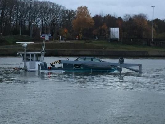 Gezonken schip op Albertkanaal: geen wachtende schepen meer, berging ten vroegste volgende week