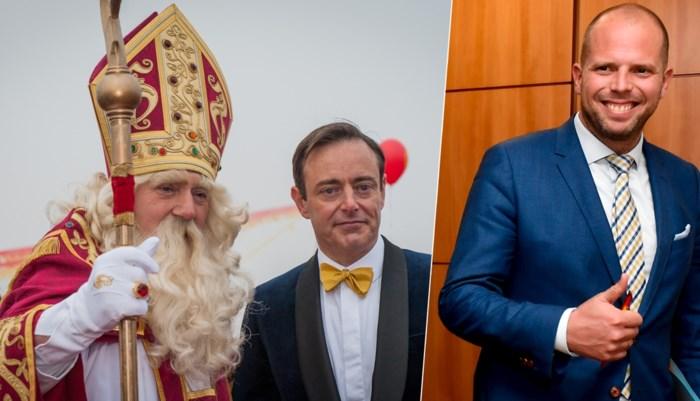 """Bart De Wever: """"Theo Francken zou goede Zwarte Piet zijn. Als er een boot uit het buitenland komt, is hij op zijn qui vive"""""""