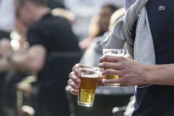 DISCUSSIE. Moet er worden opgetreden tegen het problematisch drinkgedrag van studenten?
