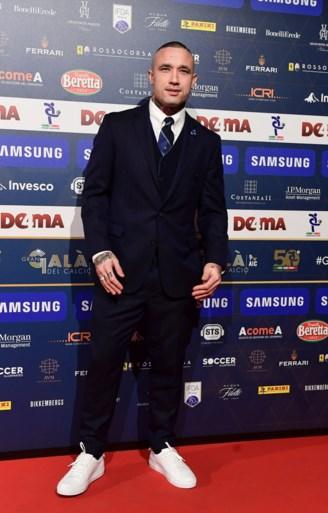 Radja Nainggolan (met strakke outfit) alweer in Team van het Jaar, ploegmaat Icardi is Speler van het Jaar in Serie A