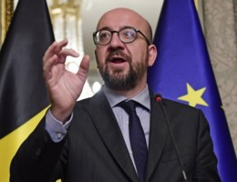 """Premier Michel: """"Wie de stekker eruit trekt, is onverantwoordelijk"""""""