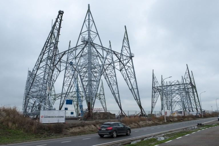Nieuwe hoogspanningsmasten over Schelde worden grootste van de Benelux