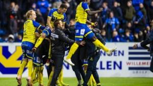 Waasland-Beveren klopt warempel een zwalpend Club Brugge en geeft de rode lantaarn door