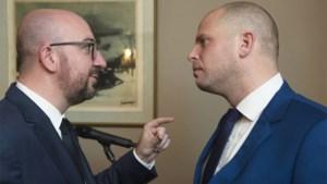 Premier roept regering bijeen voor crisisvergadering over VN-migratiepact